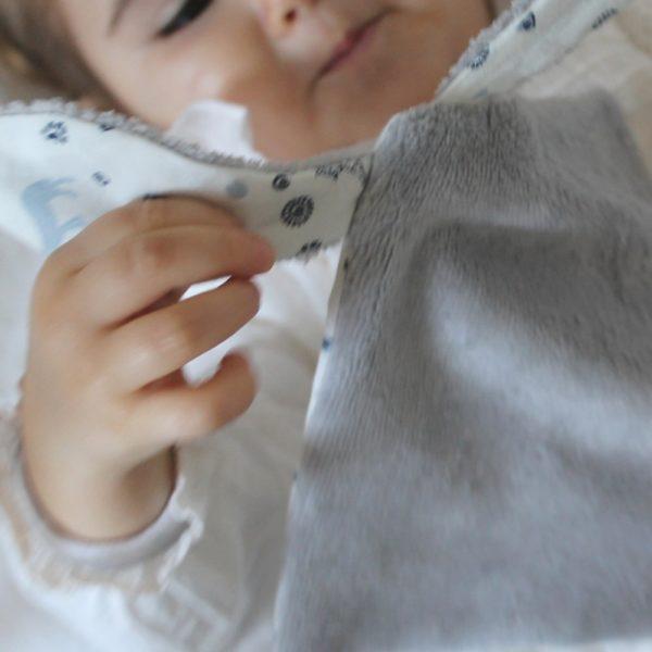 Saison des Abeilles doudou coton biologique -Bambou - bebe - doudou lapin -animaux 1