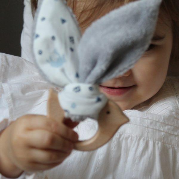 Saison des Abeilles hochet coton biologique -Bambou - bois -bebe - anneau de dentiton- oreille - oiseau 3
