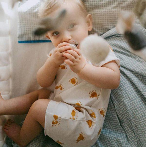 aison des abeilles - vetements enfant - coton bio - combinaison bebe barboteuse
