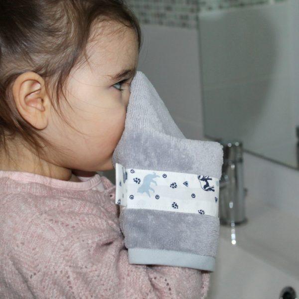 saison des abeilles-gant de toilette-zero dechet-ecoresponsable-animaux gris blanc